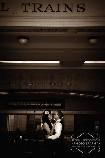 creative engagement session pictures in Chicago at Union Station