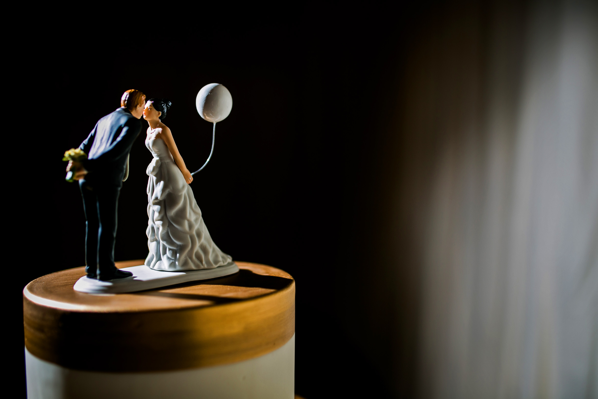Wedding cake topper balloon inspo