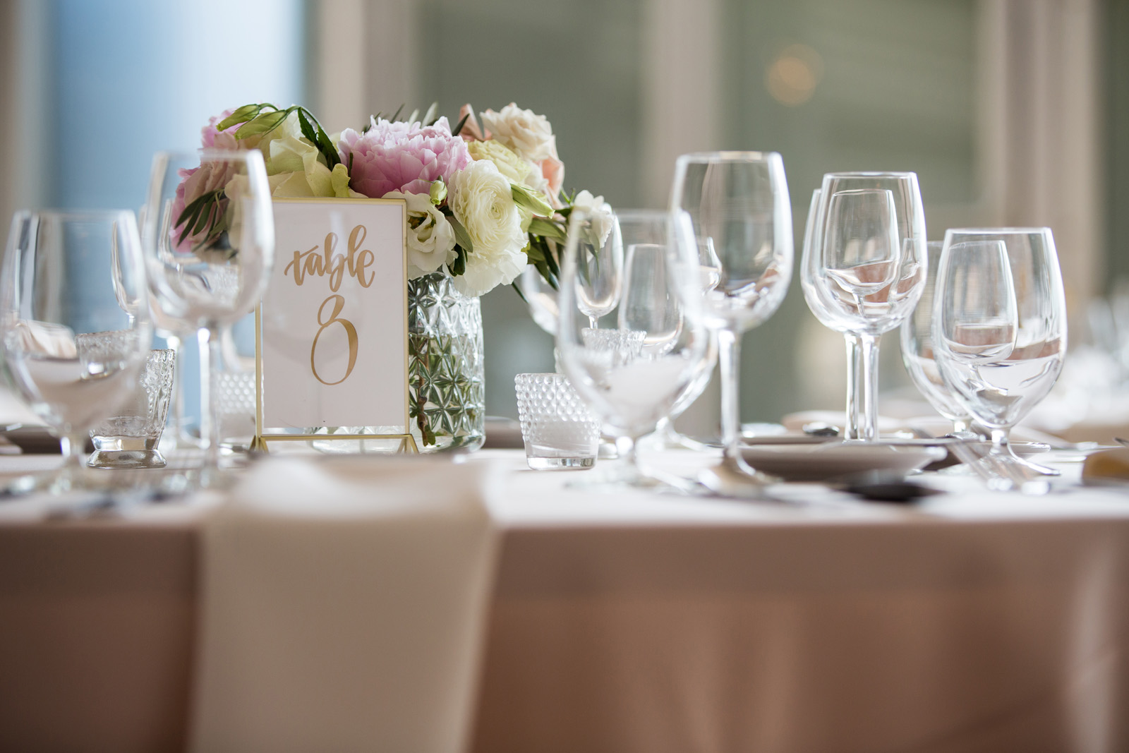 Table decor inspiration in blush, white, green