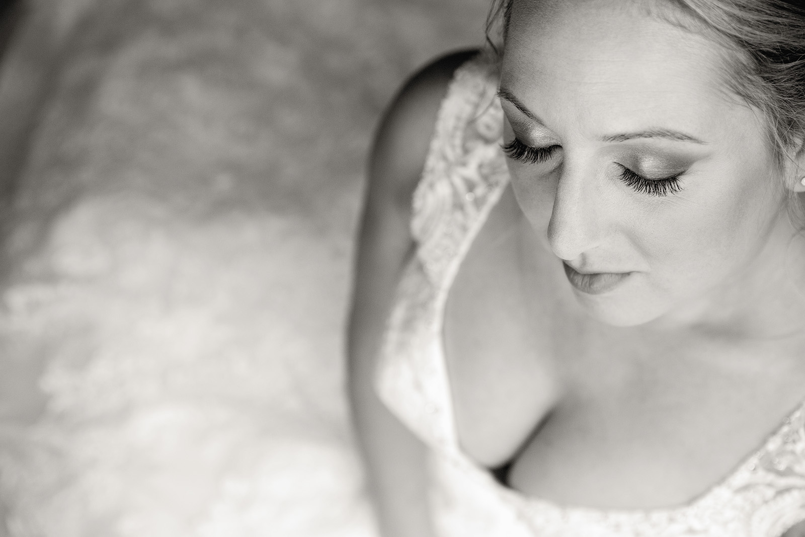 Phot Black White Bride
