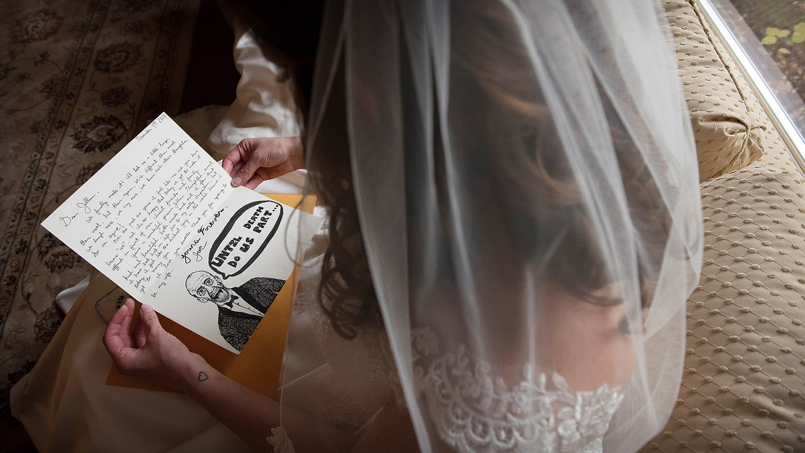 Bride Reading Note Groom