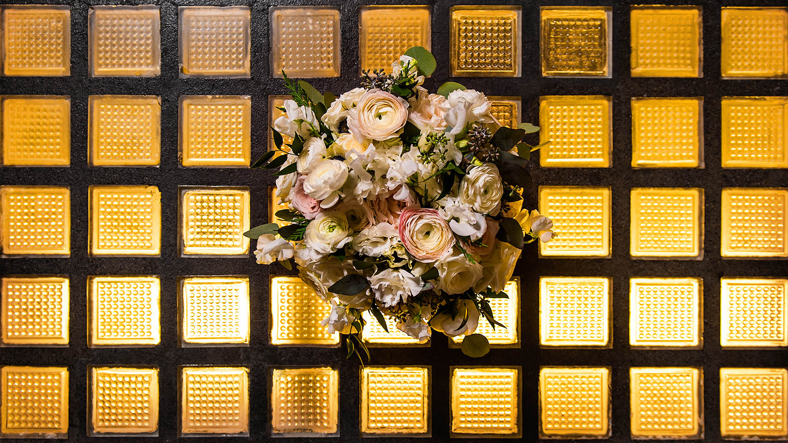 Chicago florist Avant Gardenia Bride Bouquet