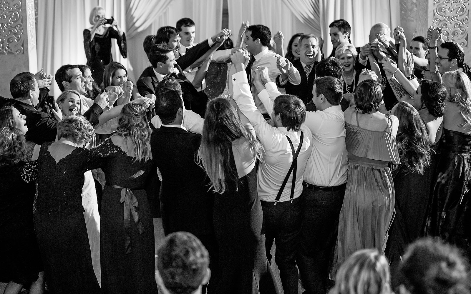 Reception Hora Black White